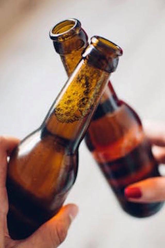 Två ölflaskor